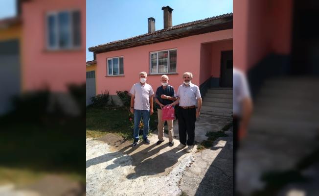 KINIKSPOR'A 79 YAŞINDAKİ ESKİ FUTBOLCUSU SAHİP ÇIKTI